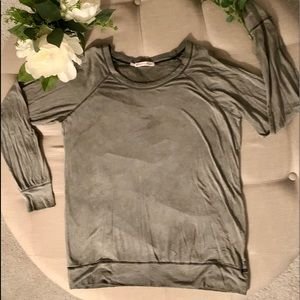 Tops - Light weight sweatshirt